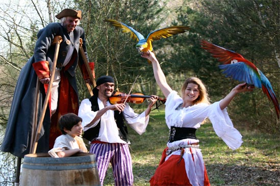 pirates-danseuse-perroquet-img1